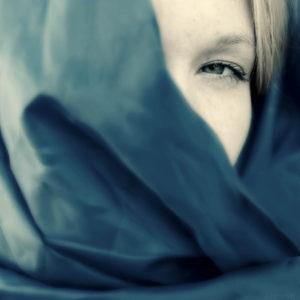 Blue shawl #02953